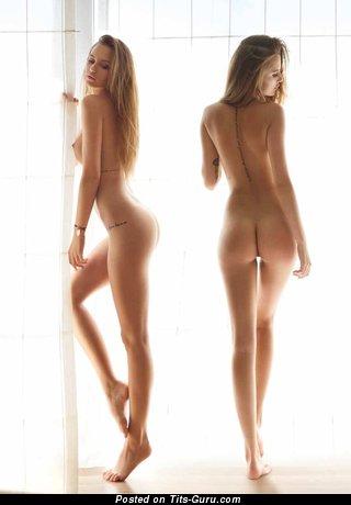 Изображение. Paulina Mikolajczak - фотка невероятной раздетой блондинки с маленькой грудью, тату