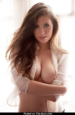 Magnificent Nude Babe (Porn Photoshoot)