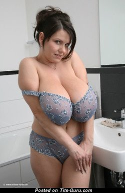 Pretty Dame with Pretty Bald Natural Huge Boobie (Xxx Wallpaper)