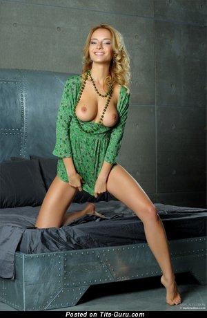 Image. Nude amazing lady image