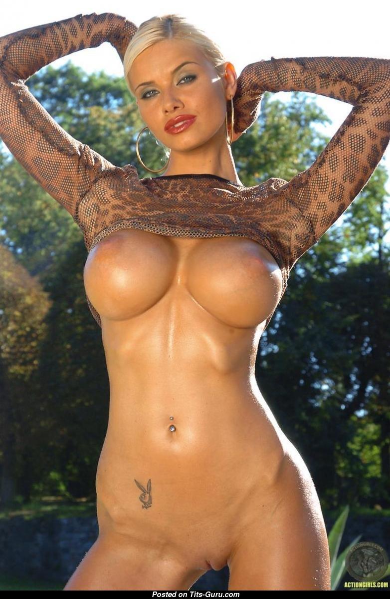С силиконовыми девушки голые