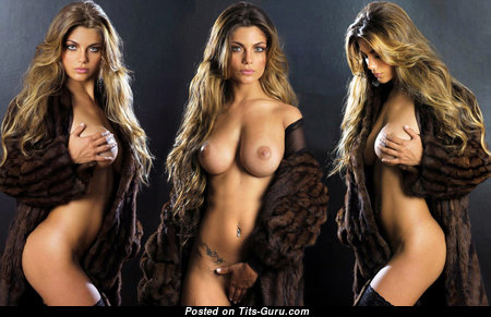 Sexy nude beautiful woman with big natural tits picture