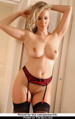 Hayley Marie Coppin - Good-Looking Glamour British Blonde Babe with Good-Looking Defenseless Real D Size Knockers, Inverted Nipples, Sexy Legs in Lingerie & Stockings (18+ Foto)