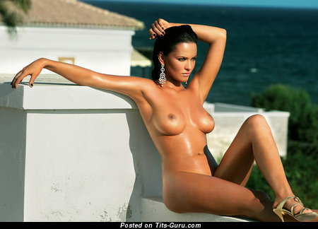 Даша Астафьева - Sweet Brunette with Sweet Open Medium Sized Tittes (Sexual Foto)
