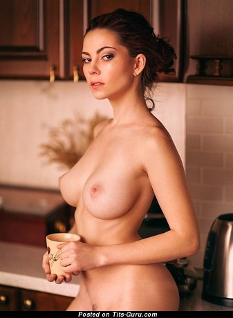 Wonderful Babe with Wonderful Bald Real Soft Balloons (Sexual Image)