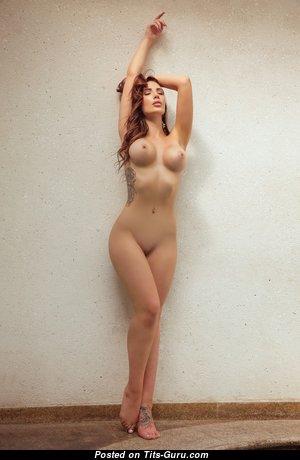 Krystal Lenkova: брюнетка девушка и красотка с красивой обнажённой силиконовой грудью (hd эротическая фотка)