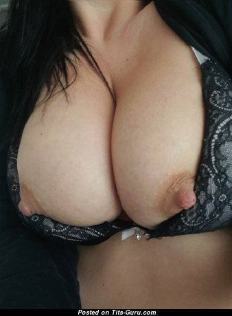 My Gf - The Nicest Girlfriend with The Nicest Defenseless Real Boobys & Giant Nipples (Amateur Selfie 18+ Foto)