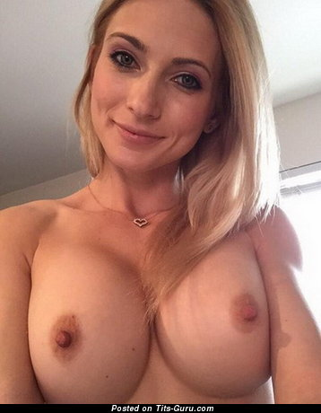Perfect Topless Babe with Hot Defenseless Tight Titties (Home Selfie Porn Pic)