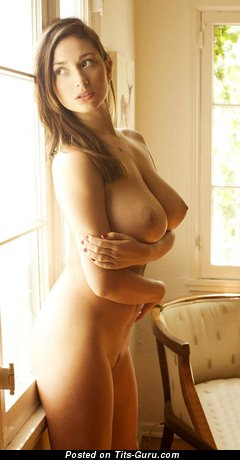 Sweet Dame with Sweet Exposed Real H Size Chest (Xxx Pix)