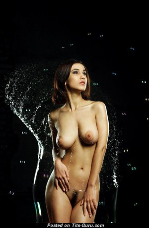 Manizha Faraday - sexy naked brunette with medium natural breast picture