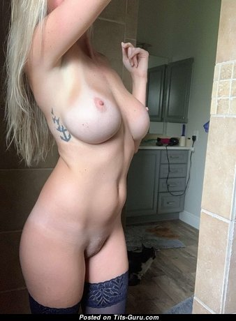 Pretty Unclothed Babe (Sex Foto)