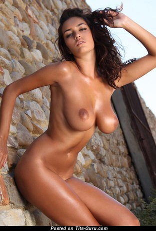 Image. Wonderful lady with big natural tittys pic