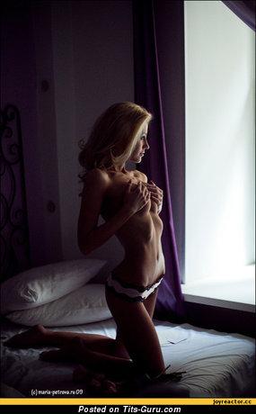 Изображение. Фото обалденной голой леди с средней грудью