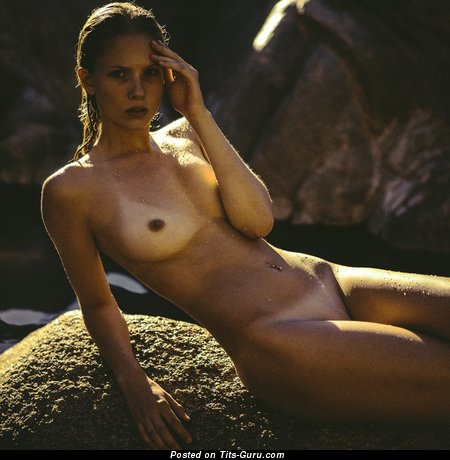 Sexy nude beautiful female photo