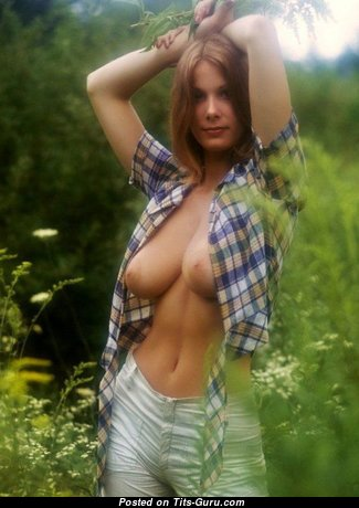 Sexy Babe with Sexy Bald Real Tight Jugs & Large Nipples (Sex Image)