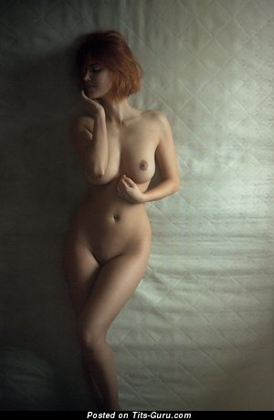 Image. Nude amazing woman with medium natural tits image