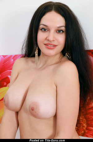 Marisa Nicole: topless brunette with natural tittes & big nipples pic