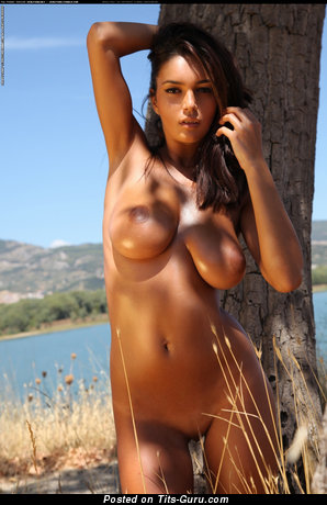 Ela Savanas - Hot Romanian Brunette with Hot Naked Natural Big Sized Titties & Tan Lines (Hd Sex Photoshoot)