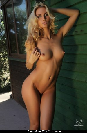 Жанна - Perfect Russian Female with Perfect Bald Natural C Size Titty (Hd Sex Foto)