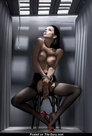 Sexy naked brunette image