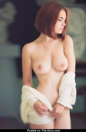 Изображение. Изображение восхитительной раздетой девахи с большой натуральной грудью