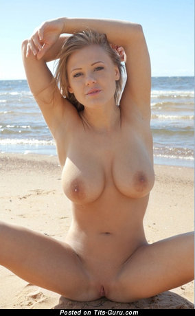 Nude amazing lady picture