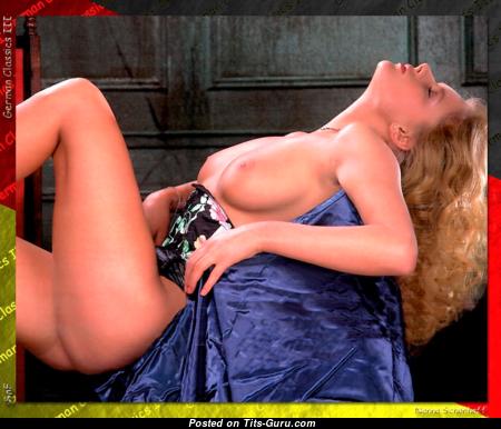 Nanna Schönhoff - Hot Topless Miss (Sexual Pic)