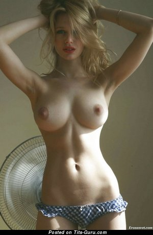 Image. Nude awesome woman with big tots image
