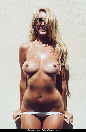 Image. Sexy naked blonde with medium boobies image