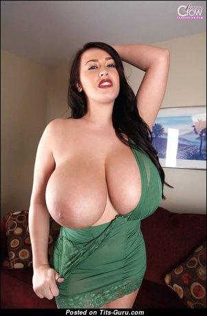 Leanne Crow - Splendid British Brunette Babe & Pornstar with Splendid Bald Real Melon Busts (Hd Xxx Pix)