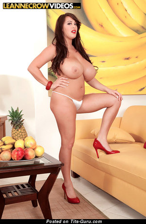 Image. Leanne Crow - sexy nude brunette with big natural boobies and big nipples image