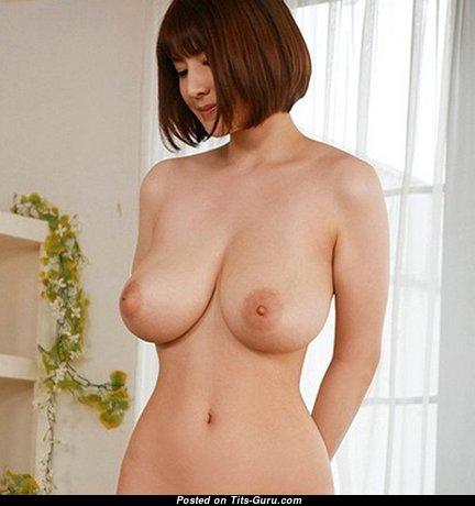 Elegant Babe with Elegant Bald Natural Substantial Busts (18+ Pic)