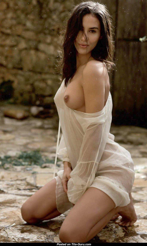 Watch Elisa meliani tits video
