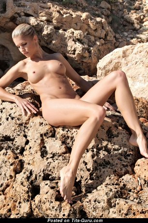 Naked hot girl photo