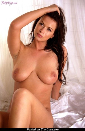 Image. Tania Cova - naked nice woman with big natural boobies photo