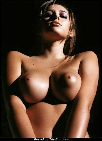 Elegant Babe with Elegant Open Med Tit (Xxx Foto)