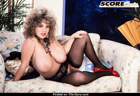 Image. Tracy West - naked beautiful girl with natural breast and big nipples picture