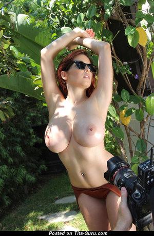Изображение. Фотка красивой обнажённой леди