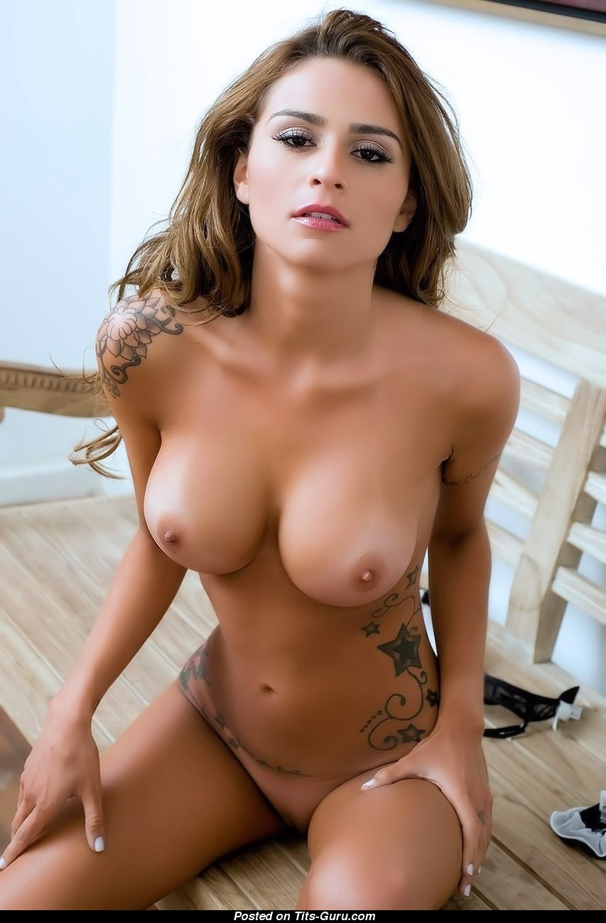 naked hot chicks with big tits