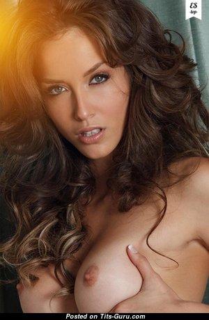 Горячая оголённая красотка (секс фотография)