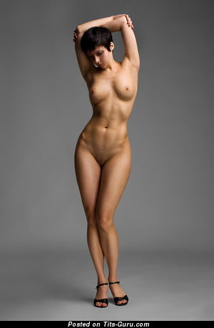 Image. Nude hot lady with medium natural tittys picture