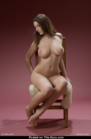 Image. Dd - sexy naked awesome girl with medium natural tots and big nipples picture