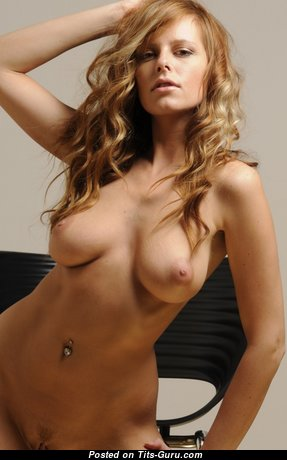 Perfect Naked Babe (Hd Sex Image)