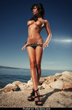 Изображение. Фото горячей обнажённой девушки