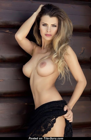 Klaudia Skogmo - Fascinating Babe with Fascinating Exposed Regular Breasts (Xxx Pic)